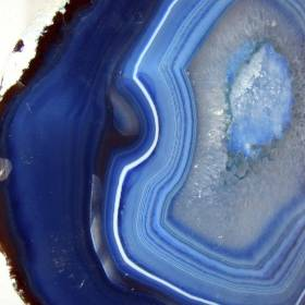 Agate Crystal Information